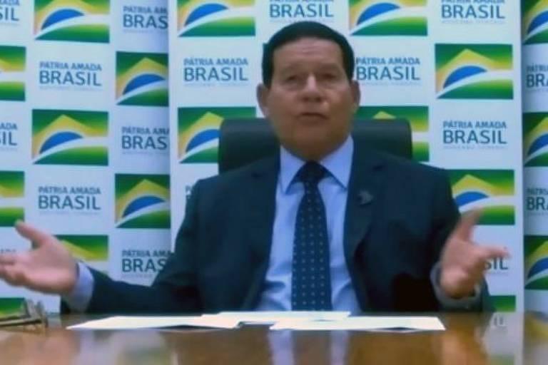 O vice-presidente Hamilton Mourão em entrevista à BBC News Brasil