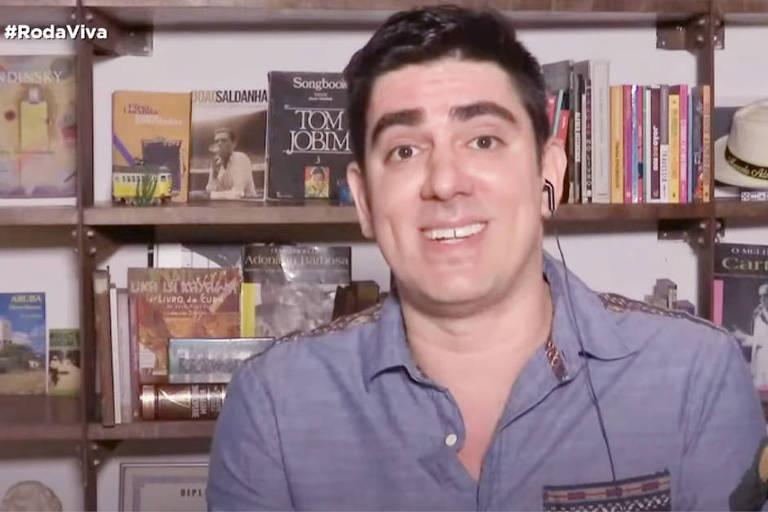 Marcelo Adnet no Roda Viva