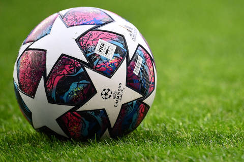 Soccer Football - Champions League Semi Final - Olympique Lyonnais v Bayern Munich - Jose Alvalade Stadium, Lisbon, Portugal - August 19, 2020  General view of the matchball before the match, as play resumes behind closed doors following the outbreak of the coronavirus disease (COVID-19)  Franck Fife/Pool via REUTERS ORG XMIT: AI
