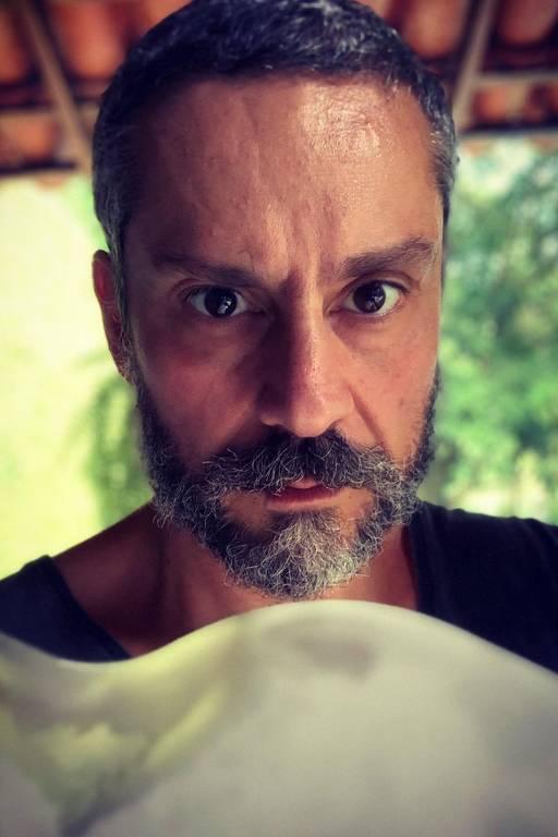 Imagens do ator Alexandre Nero