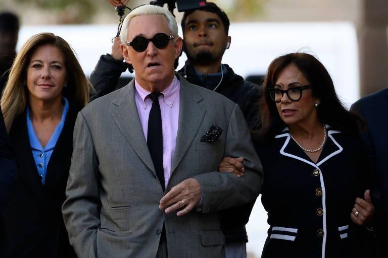 Roger Stone, ex-conselheiro de Donald Trump, a caminho de tribunal em Washington