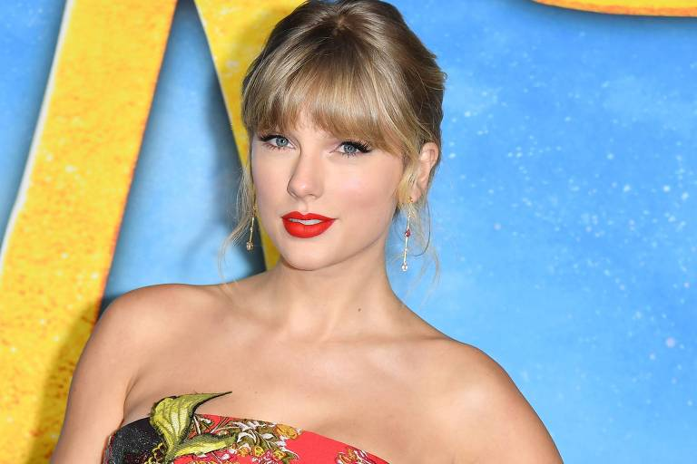 Taylor Swift doa R$ 174 mil para jovem de 18 anos cursar faculdade em Londres