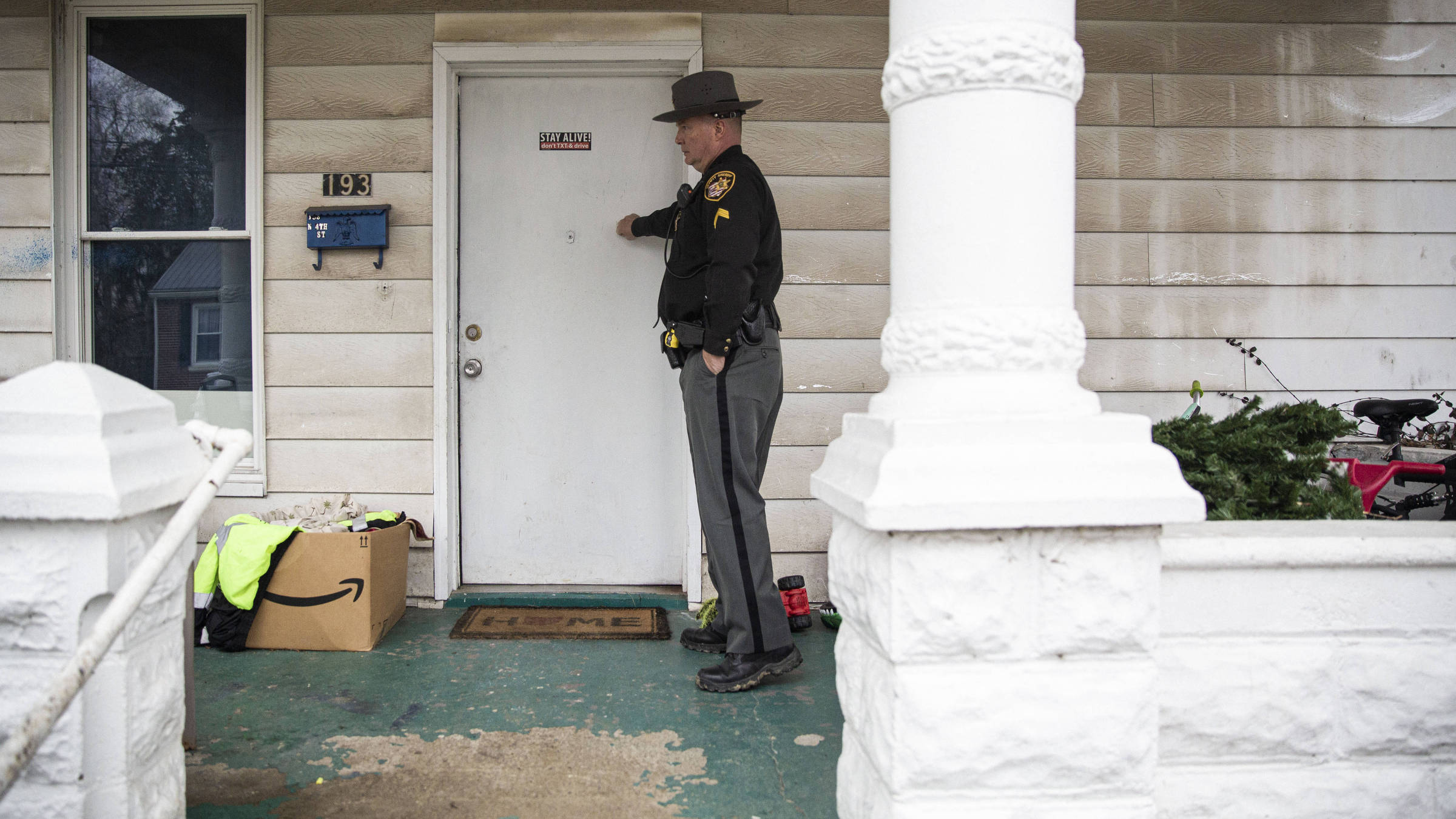 O subxerife Steve Singleton durante ação da Equipe de Resposta Rápida no condado de  Clermont, em Ohio