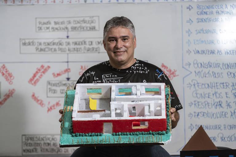 Professor usa pudim e Minha Casa Minha Vida para ensinar matemática