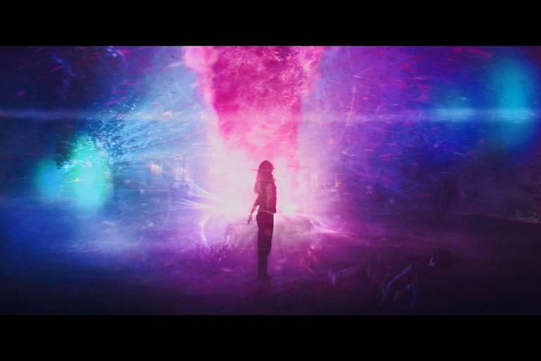 Cena do filme A Cor que Caiu do Espaço (2019), inspirado na obra de H. P. Lovecraft