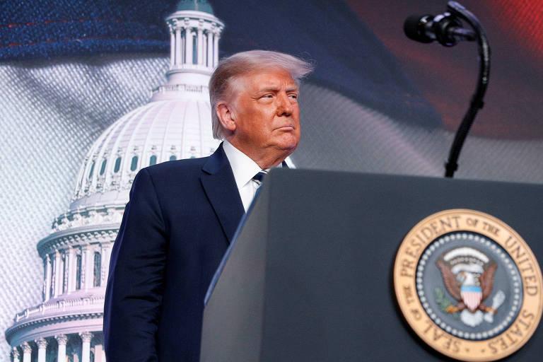 O presidente americano, Donald Trump, prepara-se para falar em evento em Arlington, na Virgínia