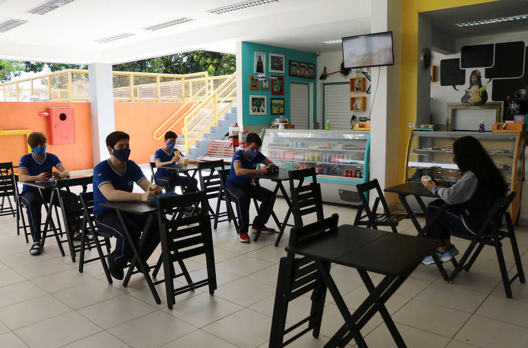 Retorno das escolas em Manaus
