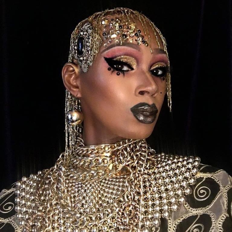 Imagens da drag queen Chi Chi DeVayne