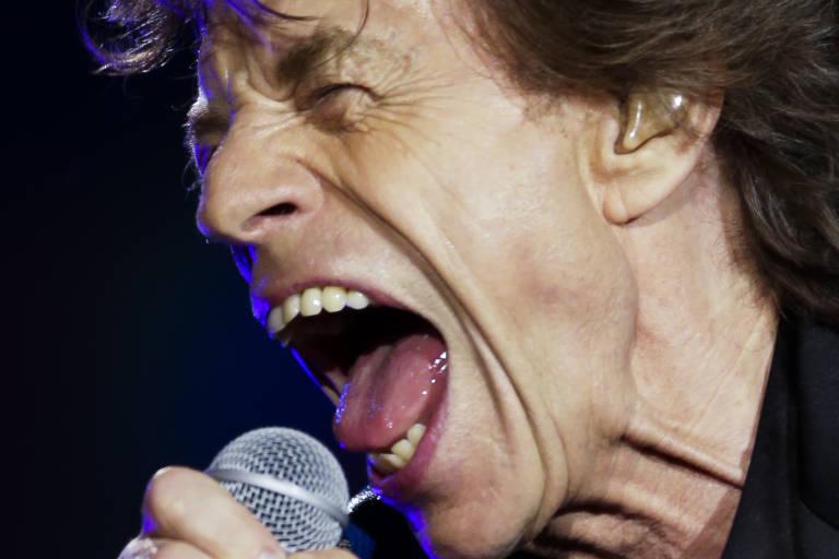 O cantor Mick Jagger na apresentação do grupo The Rolling Stones no estádio do Morumbi na zona oeste de São Paulo