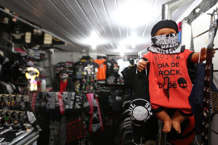 Galeria do Rock aposta em máscaras temáticas