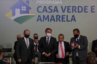 BOLSONARO / CASA VERDE AMARELA / HABITACAO