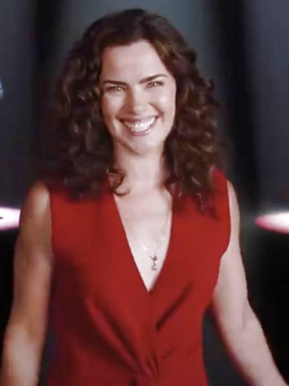 A atriz Ana Paula Arósio aparece em comercial de banco