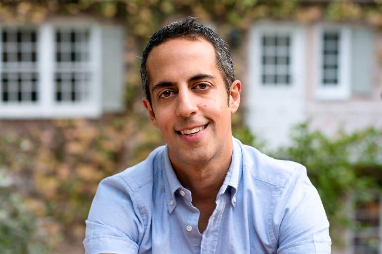 O escritor Abdi Nazemian
