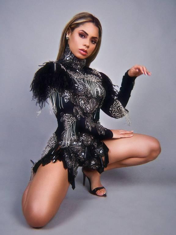 Imagens da cantora Lexa