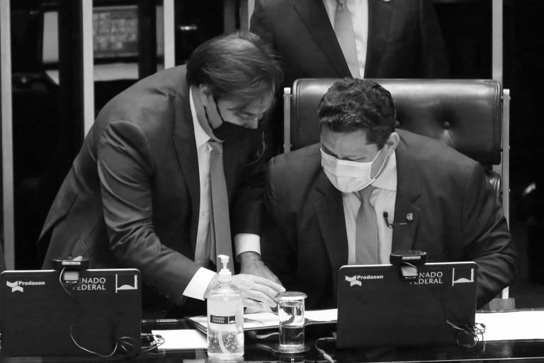 Os presidentes da Câmara, Rodrigo Maia, e do Senado, Davi Alcolumbre, durante votação recente no plenário