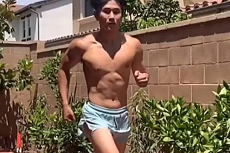 Moda criada pelo TikTok: homens estão sendo convencidos a usar bermudas/shorts curtos\