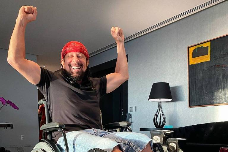 Bell Marques publica foto em cadeira de rodas publica foto em cadeira de rodas