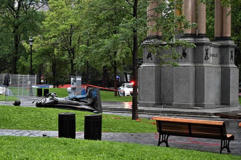 Manifestantes contra violência policial derrubam estátua de 1º premiê do Canadá