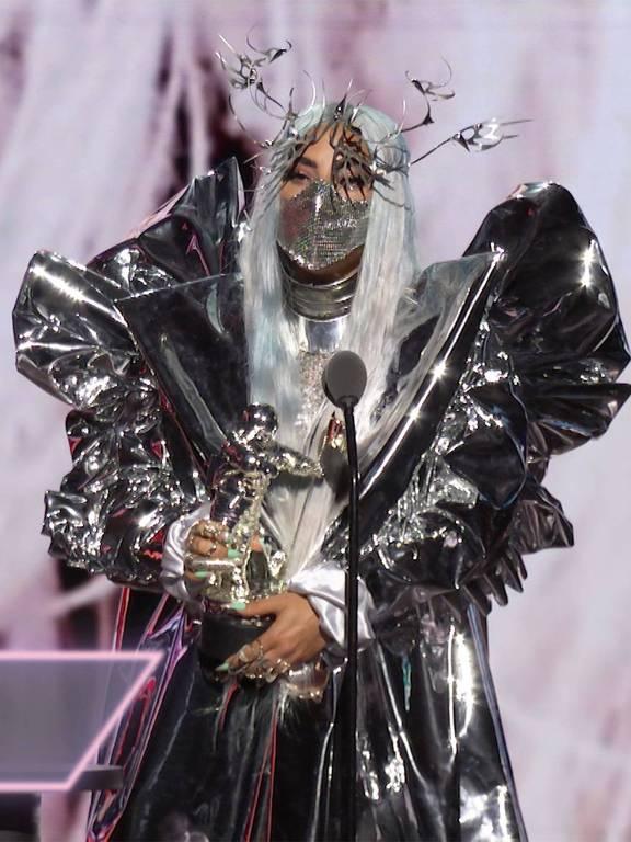 Lady Gaga e suas várias máscaras no VMA 2020