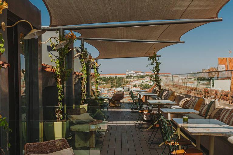 Em Lisboa, serviço de bar e restaurante de hotéis invade ruas e terraços