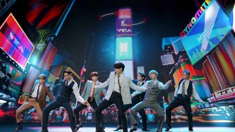 TOPSHOT - This handout image released courtesy of MTV shows South Korean boy band BTS performing from South Korea during the 2020 MTV Video Music Awards, being held virtually amid the coronavirus pandemic, broadcast on August 30, 2020 in New York. (Photo by - / MTV / AFP) / RESTRICTED TO EDITORIAL USE - MANDATORY CREDIT