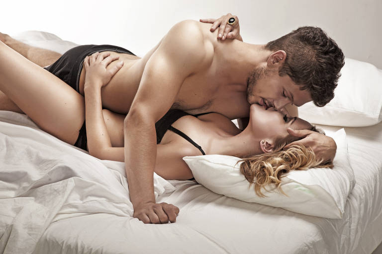 Touro: Ele é um expert em preliminares e costuma levar o seu parceiro(a) ao delírio com beijos ardentes. Para este signo, o sexo tem de acontecer naturalmente. Além disso, tem a preocupação em oferecer prazer. Seus pontos erórticos são os ombros e o pescoço.