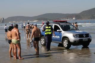 Fiscalização da GCM sobre uso de máscaras orla da praia