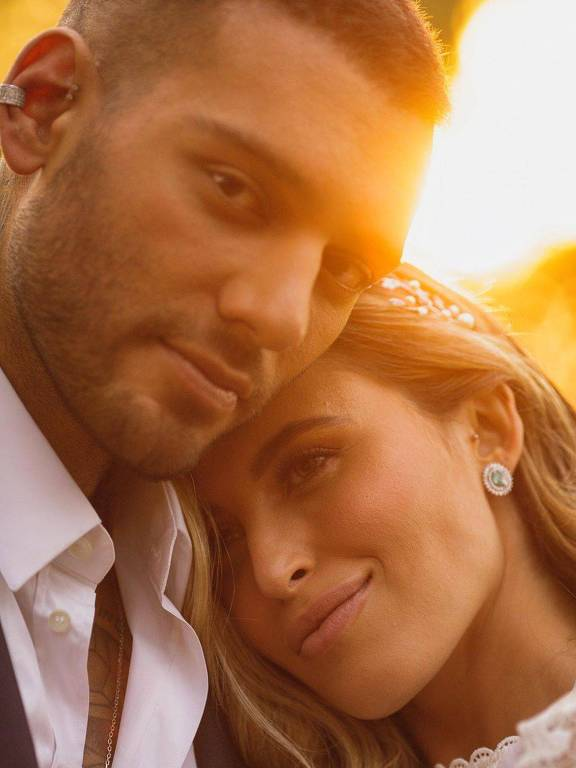 Lucas Lucco e Lorena Carvalho se casam em jantar íntimo em Uberlândia