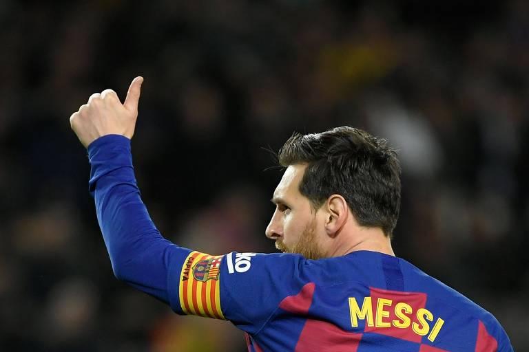 Messi celebra gol marcado contra a Real Sociedad no último Campeonato Espanhol