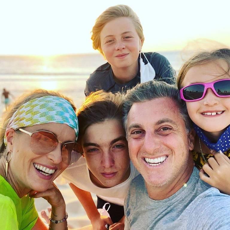 Luciano Huck comemora o aniversário no Ceará com a esposa Angélica e os filhos  Eva Huck, Joaquim Huck e  Benício Huck