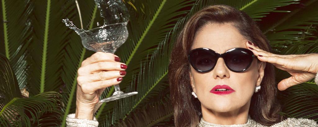 A atriz Marieta Severo em ensaio para a revista Wow, em 2015