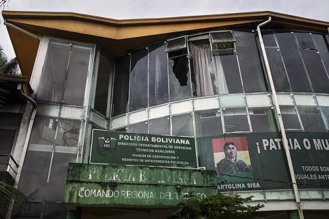 Posto policial depredado e abandonado em Villa Tunari, na região do Chapare, reduto eleitoral do ex-presidente Evo Morales