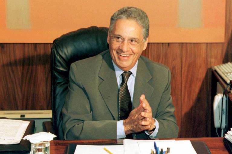 Fernando Henrique Cardoso sorri durante audiência, quando ainda era presidente