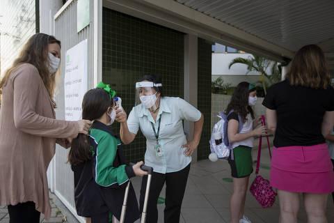Sem sugerir datas, Ministério da Saúde orienta escalonar horários de aula e intervalo nas escolas