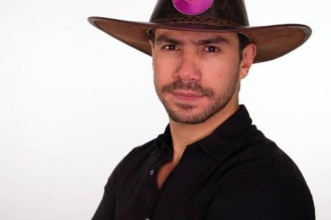 Nome artístico: Mariano  Idade: 33 anos  Profissão: Cantor e empresário  Onde nasceu: Campo Grande (MS)  Onde mora: São Paulo (SP)