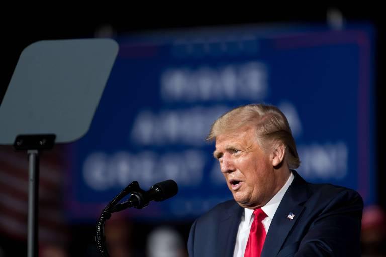 O presidente Donald Trump discursa durante comício de sua campanha de reeleição em Winston Salem, na Carolina do Norte
