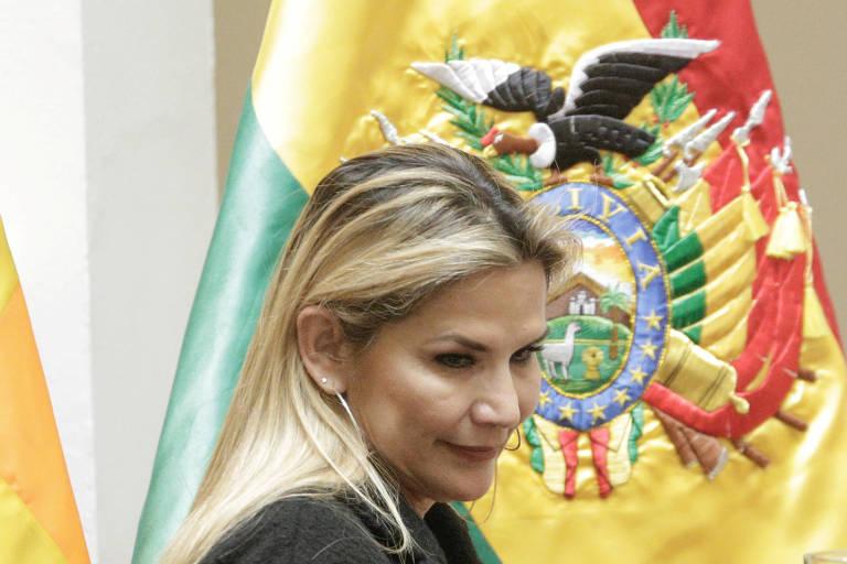 A presidente interina da Bolívia, Jeanine Añez, em cerimônia no palácio presidencial, em La Paz