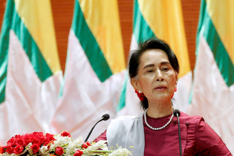 Parlamento Europeu retira prêmio de líder birmanesa devido a massacre de rohingyas