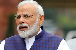 FILE PHOTO: FILE PHOTO: Indian Prime Minister Narendra Modi speaks to the media in New Delhi