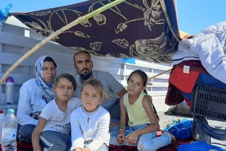 'Papai, nós vamos morrer?': o desespero de uma família após incêndio em campo de migrantes na Grécia