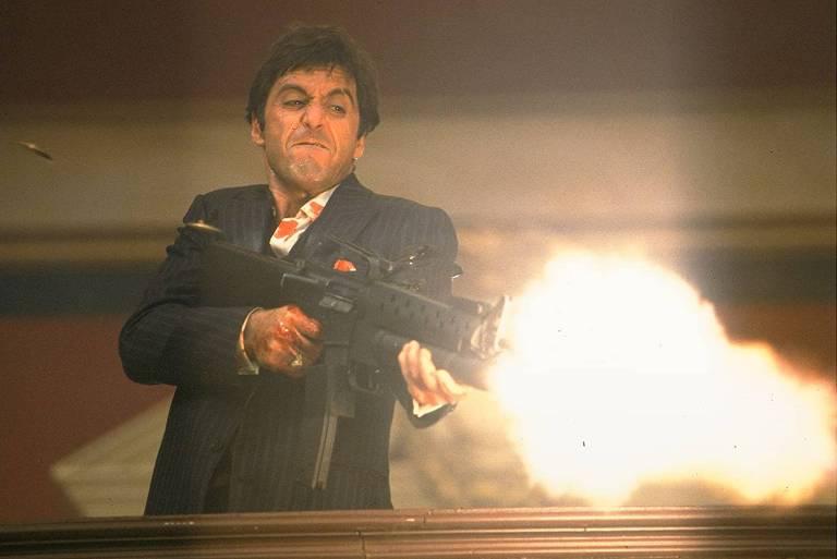 "Al Pacino em cena de ""Scarface"""