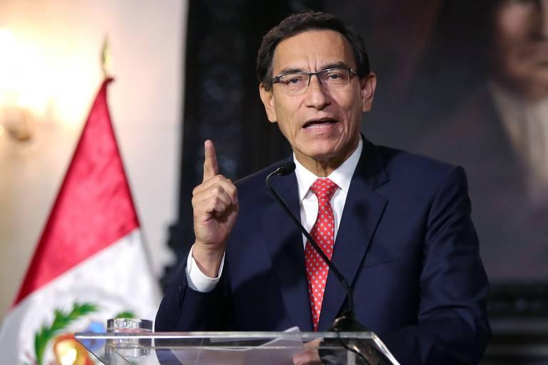 Martín Vizcarra faz pronunciamento sobre a crise política na TV peruana