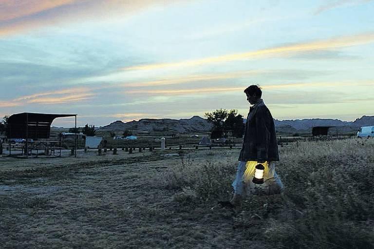 Frances McDormand tem vida nômade em filme exibido no Festival de Veneza