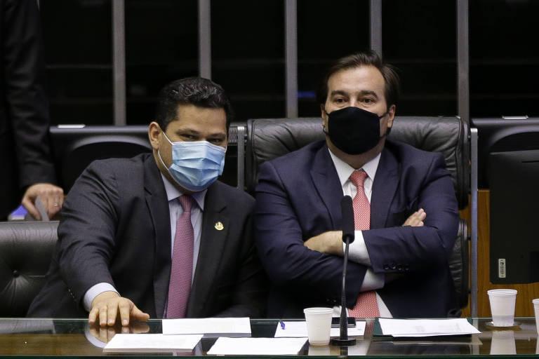 O presidente da Câmara dos Deputados, Rodrigo Maia (DEM-RJ), e o presidente do Senado, Davi Alcolumbre (DEM-AP);