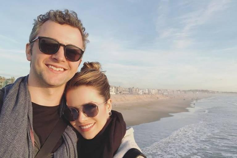 Sandy ao lado do marido, o músico Lucas Lima