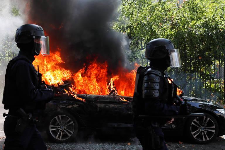 Polícia prende mais de 280 em novos protestos dos 'coletes amarelos' na França