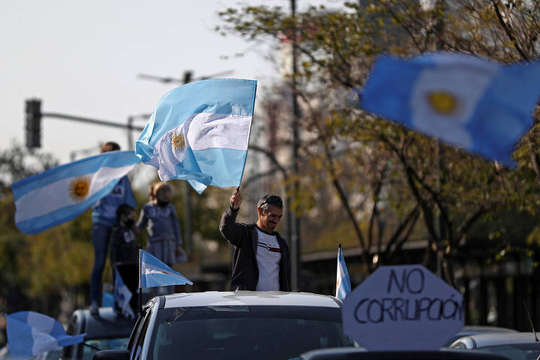 Manifestantes durante protesto antigoverno na Argentina