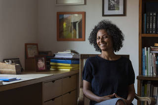 Retrato da historiadora Diana Mendes