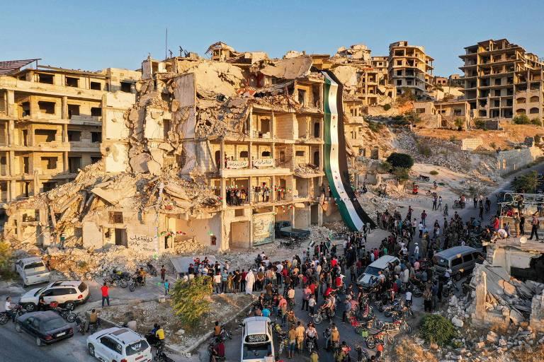 Crimes de guerra seguem na Síria, mas cessar-fogo reduziu hostilidades, diz relatório da ONU