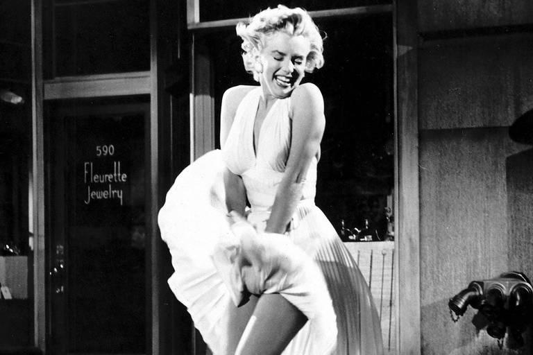 """Marilyn Monroe em cena de """"O Pecado Mora ao Lado"""", dirigido por Billy Wilder em 1955"""
